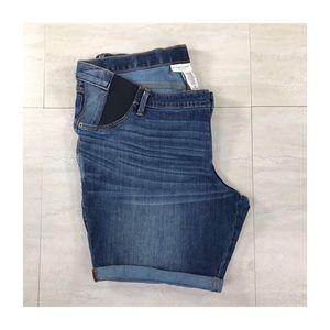 Liz Lange   Maternity Bermuda Jean Shorts